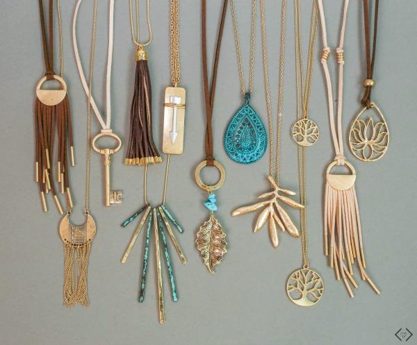 2 Pendant Necklaces $12 ($20 Value)