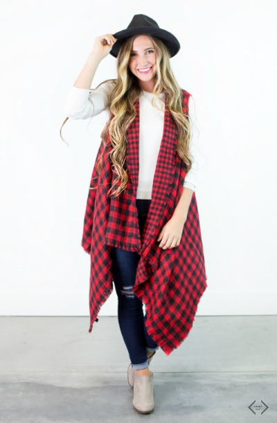 $10 off Knit Vests & Sleeveless Kimonos